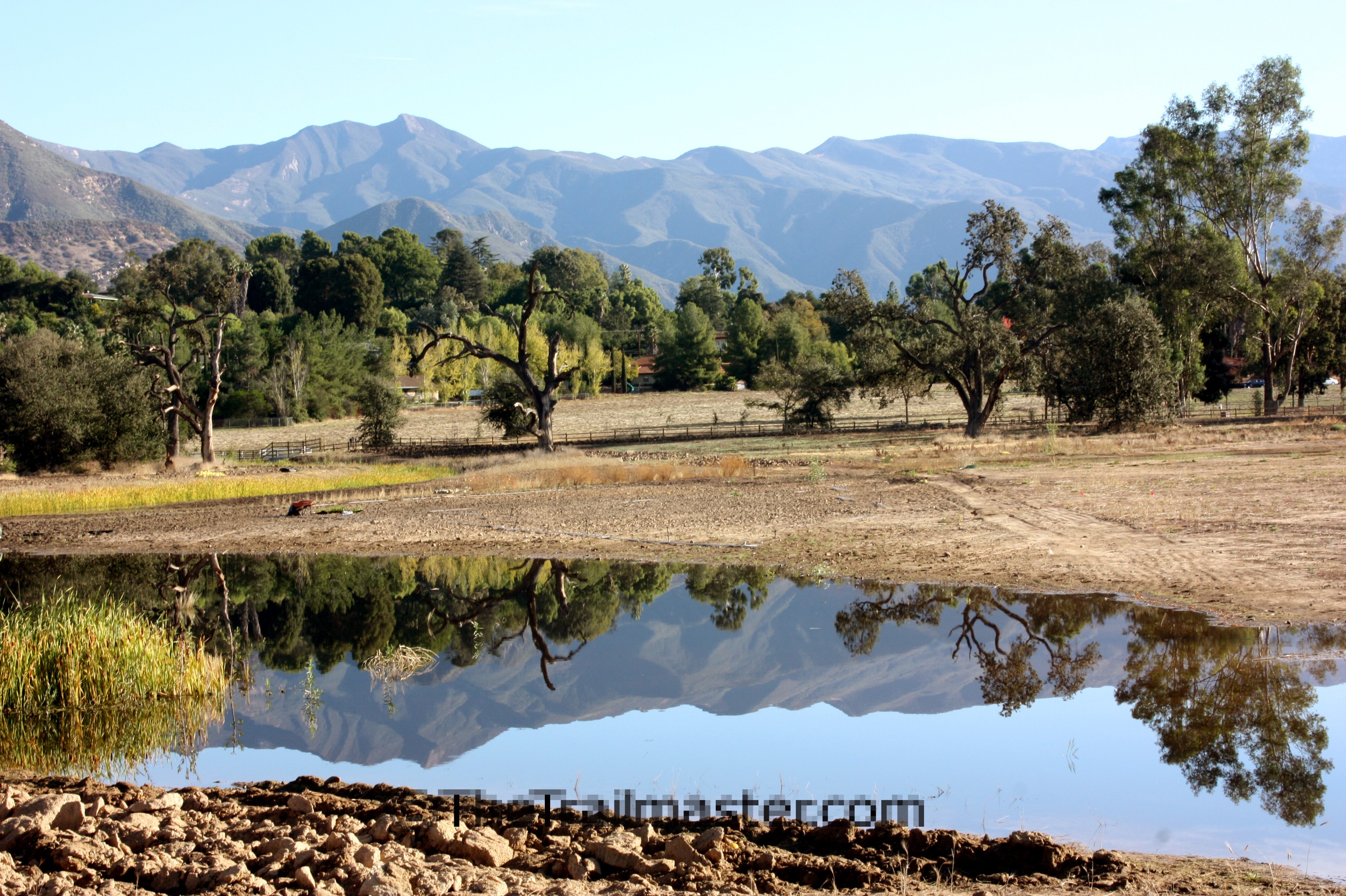 Ojai Valley is one of the many wonderful places to hike in Ventura County. (photo Lynn Malone)