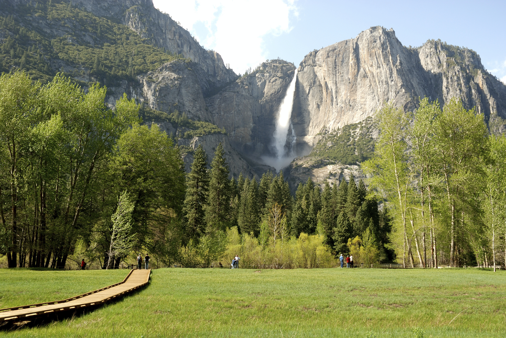 "Enjoy a hike in Yosemite National Park and many more terrific trails shared by John McKinney in the ""National Park Hike of the Week"" on TheTrailmaster.com"