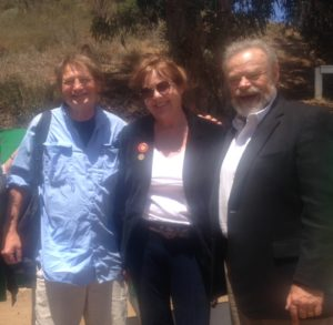 (r-l) Joe Edmiston, longtime head of the Santa Monica Mountains Conservancy; Ruth Kilday, fund-raiser and guiding light for the Backbone Trail; Trailmaster John McKinney