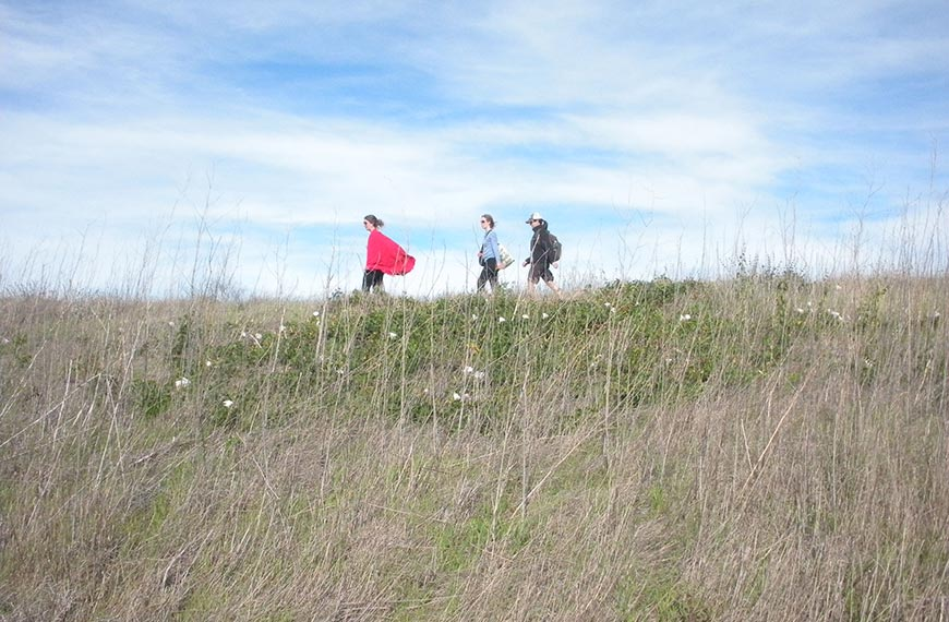 featured-women-hiking